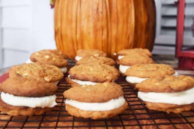 pumkin-spice-sandwich-cookies