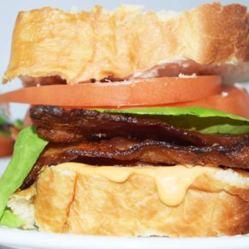 BLT with Honey Sriracha Mayo