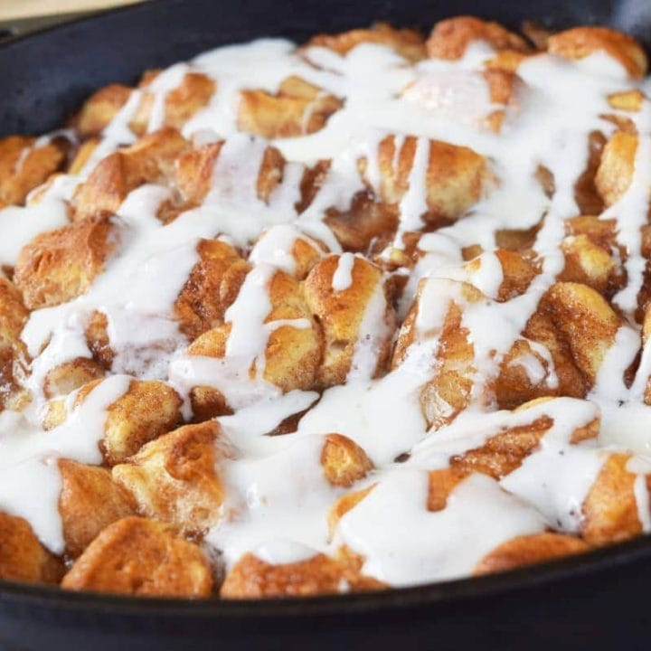 https://www.soulfullymade.com/skillet-apple-pie-biscuit-bites/