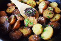 Cast Iron Skillet Garlic and Parmesan Potatoes