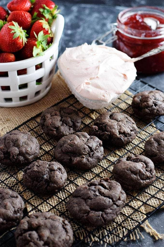 Chocolate Cookies with Strawberry Cream Deconstructed